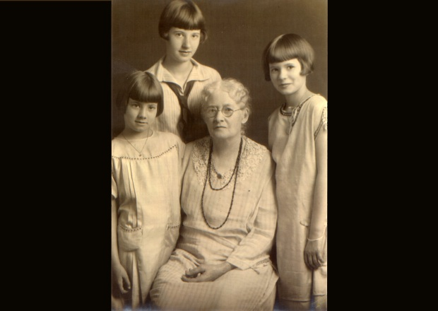 Patricia, Margaret and Harriett Kelley with their Grandmother